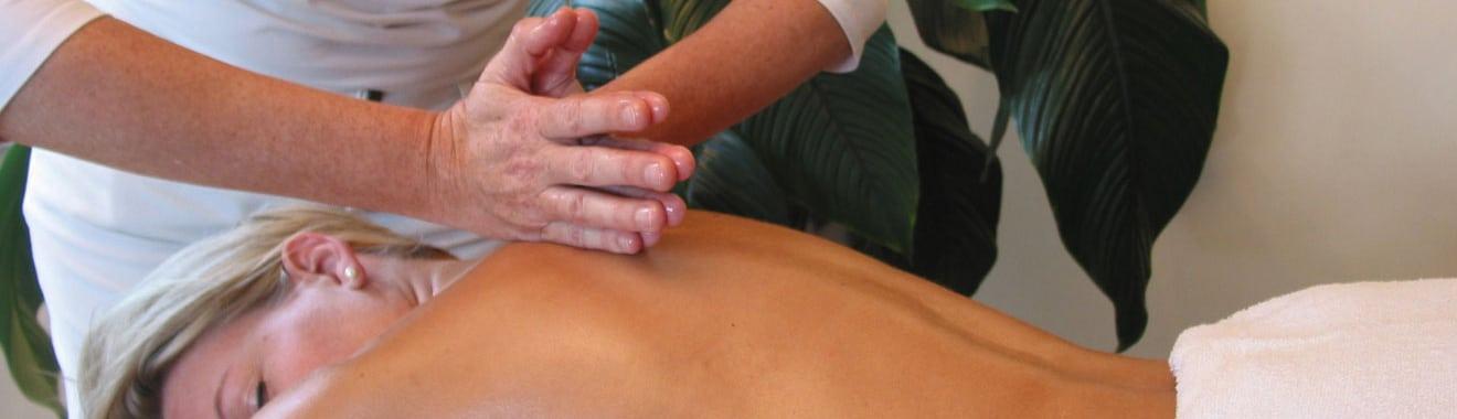 Tuina-Massage in der Praxis für Traditionelle Chinesische Medizin und Dorn-Therapie von Sabine Oeltjen in Stuttgart-Mitte